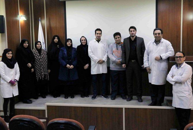 بازديد دبيران شيمى منطقه ١٩ آموزش و پرورش از داروسازى تهران شيمى